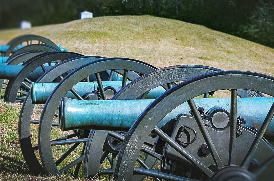 Canons at the Vicksburg National Military Park-edit